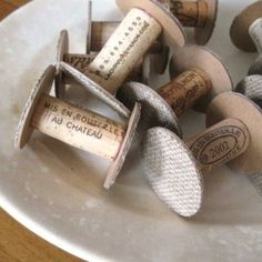 DIY and Re-purpose. Wine cork spools-use for ribbons, trims, scraps of long fabric. Sewing Hacks, Sewing Crafts, Diy Crafts, Diy Projects To Try, Craft Projects, Wine Bottle Corks, Cork Art, Wine Cork Crafts, Wooden Spools