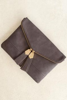 Clutches are a must and this chocolate colored beauty is a definite. This faux… Women's Handbags & Wallets - http://amzn.to/2iZOQZT