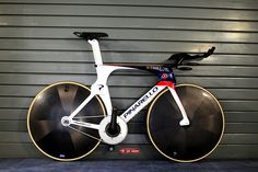 Sir Bradley Wiggins' Pinarello Bolide HR hour record track bike (Pic: Jaguar)