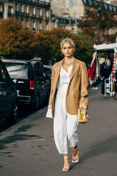Paris SS 2020 Street Style: Caroline Daur - Fashion Trends for Girls and Teens Street Style Chic, Spring Street Style, Cool Street Fashion, Fashion Photo, Love Fashion, Fashion News, Fashion Trends, Style Fashion, Winter Fashion