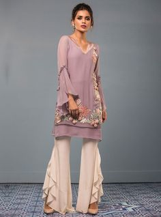 Zainab Chottani Lavender Rose Eid Pret 2017 Price in Pakistan famous brand online shopping, luxury embroidered suit now in buy online & shipping wide nation. Pakistani Outfits, Indian Outfits, Stylish Dresses, Fashion Dresses, Sleeves Designs For Dresses, Stylish Dress Designs, Desi Clothes, Kurta Designs, Indian Designer Wear