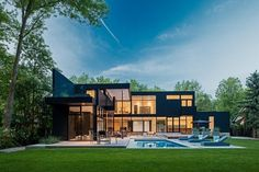 Modern home in Oakville, Ontario. Peter A. Sellar - Architectural Photographer.