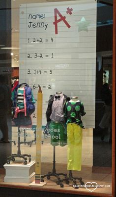 A+ display idea for back to school. back to school window display, Back To School Window Display, Back To School Displays, Visual Merchandising Displays, Visual Display, Store Window Displays, Boutique Window Displays, Fall Displays, Autumn Display, Retail Displays