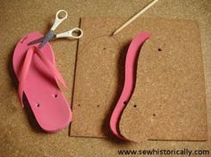 DIY Huarache Sandals With Cork Soles - Tutorial - Sew Historically DIY Huarache Sandals With Cork Sole – Tutorial Flip Flops Diy, Crochet Flip Flops, Flip Flop Craft, Crochet Sandals, Crochet Shoes, Crochet Slippers, Diy Leather Sandals, Bijoux Wire Wrap, Shoe Crafts
