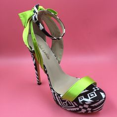 69.00$  Watch here - http://ali656.worldwells.pw/go.php?t=32664844993 - Bright Green Satin Women Sandals Bow Knot At Back Shoes Summer Sandals With Platform High Heels Open Toe Stilettos Real Photo 69.00$