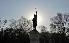 Chisinau, Stephen the Great statue The Second City, Capital City, Romania, Countries, River, Statue, Explore, Park, Moldova
