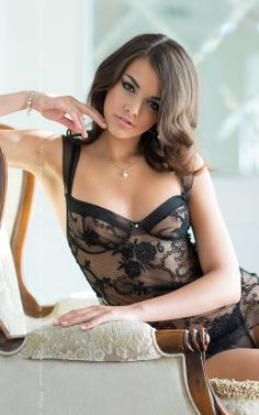 ANA Black – A sheer patterned slip with wide straps and sweetheart neckline; shaped cups and cut away back. Supplied with matching string.