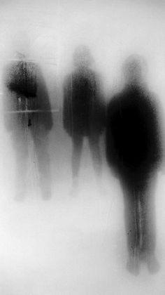 (C) John Batho - Creepy photography - Minimalismus Creepy Photography, Shadow Photography, Conceptual Photography, Dark Photography, Abstract Photography, Black And White Photography, Photography Jobs, Photography Magazine, Travel Photography