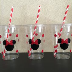 Minnie Mouse Party Cups red and pink