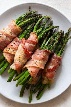 Best Asparagus Recipe, Grilled Asparagus Recipes, Bacon Wrapped Asparagus, Baked Asparagus, Vegetable Side Dishes, Vegetable Recipes, Side Dish Recipes, Dinner Recipes, Comida Keto