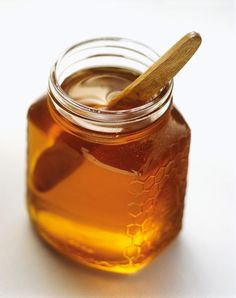"""Another pinner said: """"I've been washing my face every night with just honey and warm water and I've gotten so many compliments on how great my skin looks and how glowy it's become. Apply a thin layer of raw honey, wait 1-2 minutes, rinse away with warm water then pat dry with a clean wash cloth."""""""