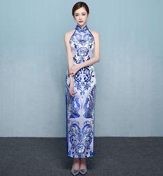 www.urclothingstyle.com #cheongsam #旗袍 #qipao #longwear #longdress #dress #whiteandblue #slimdress #culture