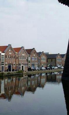 Grachtenpanden Noordvestsingel Schiedam Nederland