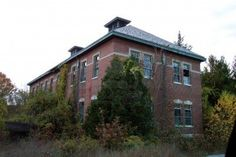 An old creepy hospital building. Stock Photo - 2093653