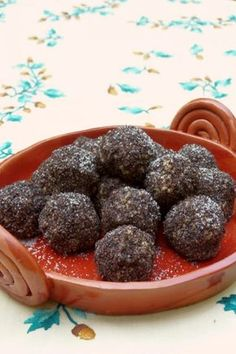 Mákos kölesgombóc Cookie Recipes, Diet Recipes, Dessert Recipes, Desserts, Healthy Cake, Healthy Cookies, Gm Diet Soup, Salty Snacks, Hungarian Recipes