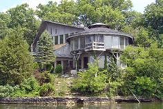 Johnny Cash's Old Hickory lake house, Tennessee