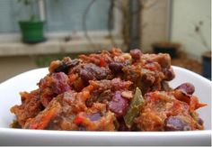 Chili con carne – Petits plats mijotés - Famous Last Words Cuban Recipes, Portuguese Recipes, Foods With Iron, Good Food, Yummy Food, Picnic Foods, Food Stamps, Cheap Meals, Junk Food