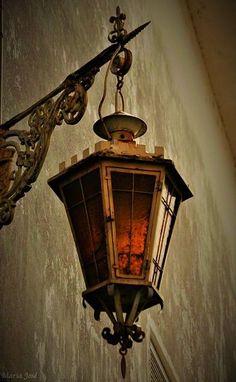 Lantern Lamp, Candle Lamp, Candle Lanterns, Lamp Light, Light Up, Coimbra Portugal, O Gas, Beautiful Streets, Street Lamp