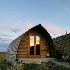 Glamping Pods in the Outer Hebrides. Relax on a stunning coast in en-suite camping pods, perfectly equipped with comfy beds, kitchens & a Fire Pit for stargazing. Wigwam Holidays, Glamping Holidays, Camping Pod, Shepherds Hut, Bike Photo, Outer Hebrides, Luxury Camping, Holiday Accommodation, Comfy Bed