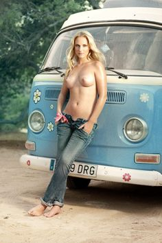 "topless-in-jeans: ""VW Bus http:& "" Volkswagen Transporter, Volkswagen Bus, Vw Minibus, Vw Passat, Combi Ww, Hot Vw, Bus Girl, Busse, Car Girls"