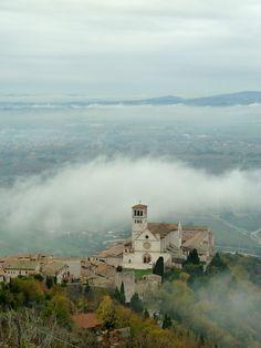 Assissi, Umbria, Italy.basilica-di-san-francesco.jpg (3000×4000), province of Perugia