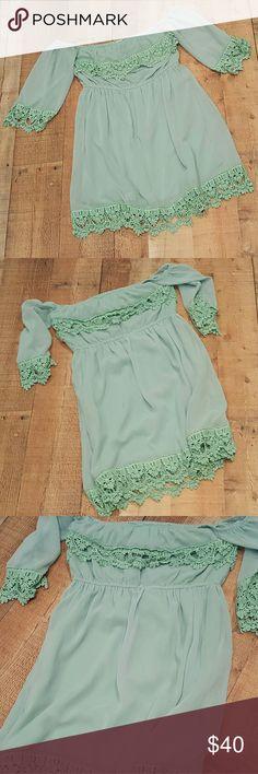 Nwot Medium Mint Crochet Dress Absolutely adorable! Mint green. Medium. Off the shoulder dress. Never worn. Dresses Midi