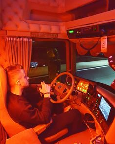 Big Rig Trucks, Semi Trucks, Trailers, Truck Living, Customised Trucks, Scania V8, Truck Interior, Volvo Trucks, Trucks And Girls