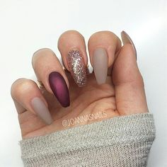 NEUTRAL, GLITTER AND BURGUNDY NAILS Do you want to know what works really well with matte nails? Glitter nails, that's what, especially when you team nudes and burgundy shades with a beautiful shimmer gold, just like you can see here. Gel Nail Designs, Cute Nail Designs, Nails Design, Nail Designs For Winter, Glitter Nail Designs, Coffin Nail Designs, Toe Nail Designs For Fall, Burgundy Nail Designs, Neutral Nail Designs