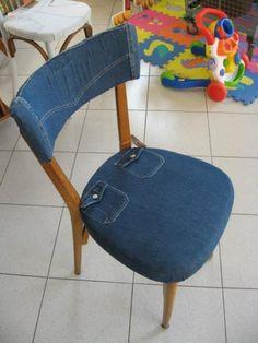 Cadeira forrada com tecido jeans