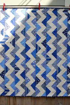 Zig-zag quilt using flying geese blocks. Beautiful.
