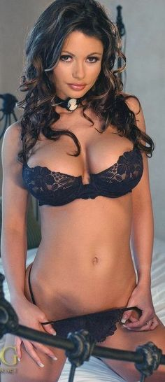 Nothing like a little lingerie to heat up a weekend (50 pics)