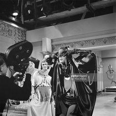 Adam West as Batman doing the Batusi Batman Show, Real Batman, Batman Tv Series, Batman And Superman, Batman Robin, Adam West Batman, Batman Pictures, Abc Photo, Batman 1966
