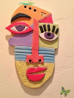 Maske<br> Kunst Picasso, Picasso Art, Clay Projects, Clay Crafts, Arts And Crafts, Ceramic Mask, Creation Art, Masks Art, Cardboard Art