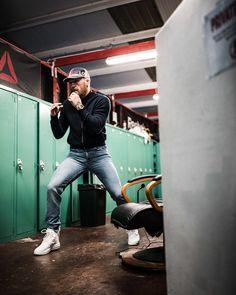 "August McGregor on Instagram: ""#stayready #stayfit ⠀ ⠀ ⠀ ⠀ #augustmcgregor⠀ #iam👊"" Conor Mcgregor Wallpaper, Mcgregor Wallpapers, Conor Mcgregor Style, Ufc Conor Mcgregor, Conner Mcgregor, Ufc Boxing, Dressed To Kill, Male Models, Menswear"