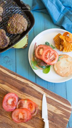 This Paleo Cajun Burger Recipe is a savory meal, jam packed with thyme, cayenne powder, garlic and green onions! Bison Recipes, Beef Recipes, Whole Food Recipes, Healthy Recipes, Xmas Recipes, Paleo Meals, Healthy Meals, Healthy Food, Cajun Burger Recipe