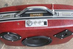 Case-Of-Bass-Vintage-Suitcases-Boomboxes-2-537x358.jpg (537×358)
