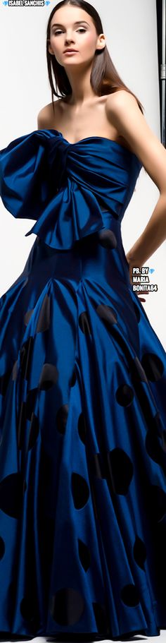 Isabel Sanchis F/W 2019-20 Midnight Blue, My Favorite Color, Fashion 2020, Shades Of Blue, Evening Gowns, Royal Blue, Ready To Wear, Dress Up, Glamour