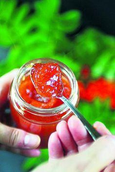 Pihlajanmarja on hienostunut herkku Berries, Healthy Recipes, Healthy Food, Pie, Sweets, Vegetables, Nature, Cooking, Healthy Foods