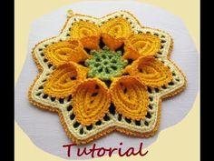 """Hoy os muestro cómo hacer paso a paso esta flor grande de crochet en 3D o relieve, basada en el patrón original de la manta """"Puritan Bedspread"""" de Cecilia Vanek. Espero que te guste, y si te animas a hacerla me encantaría que la compartieras en mis redes sociales etiquetándome.  Otros tutoriales de crochet que pueden interesarte:  - zapatos de bebé: https://www.youtube.com/watch?v=GtqcRZfb4nM - flor de crochet: https://www.youtube.com/watch?v=m6TdeUozgNs - falda de crochet…"""