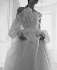 Best Wedding Dresses, Designer Wedding Dresses, Wedding Styles, Prom Suit Outfits, Night Wedding Photos, Wedding Planning Checklist, Free Wedding, Boho Wedding, Europe Photos
