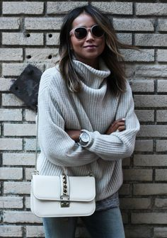 120b8713115 Julie Sarinana is wearing a milk coloured knit sweater from Aritzia  (Fashion Trends Winter)
