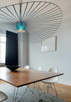 """▷ 1001 + ideas about """"chandeliers modern or futuristic"""" - modern metal chandelier with a round shape, minimalist dining room dining table with minimalist des - Flower Chandelier, Candle Chandelier, Modern Chandelier, Interior Styling, Interior Decorating, Decorating Ideas, How To Make A Chandelier, Minimalist Dining Room, Flat Stone"""