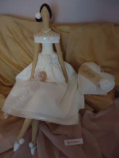 Noiva e Coração Vintage Chic. BY A Fada  Rosarinho. https://www.facebook.com/pages/A-Fada-Rosarinho/156591247695850
