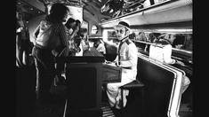 Floresta dos Moinhos-Fotografias-1976-Elton John em seu jato particular
