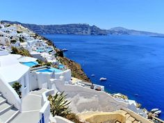 #Greece is the most sought out holiday destination and attracts travellers from across the world. It is an ancient world wrapped in the modern day cosmopolitan cities.