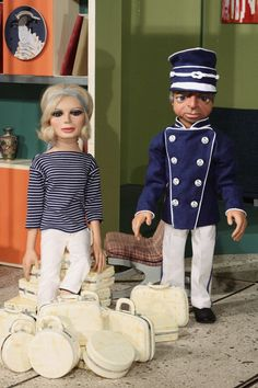 Thunderbirds - Penelope and Parker take a trip to Tracy Island to meet Jeff Tracy and the boys Joe 90, My Favorite Year, Thunderbirds Are Go, Kids Tv, Great Tv Shows, Vintage Tv, Animation, Film Movie, Childhood Memories