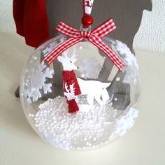 Boule de noël décor rennes, neige et grelots, boule de noël fait main création my little papeterie
