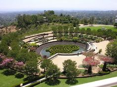 Image 7 of 15 from gallery of AD Classics: Getty Center / Richard Meier & Partners. Photograph by Wikimedia Commons