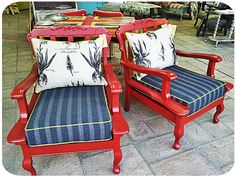 Vintage armchairs: painted a brave red and re-upholstered by {Bezoo} Refurbished Furniture, French Furniture, Repurposed Furniture, Painted Furniture, Sofa Makeover, Furniture Makeover, Diy Furniture, Outdoor Furniture Sets, Couch Redo
