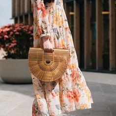 """Štýlová žltá kabelka EMMA stredných rozmerov. Dá sa nosiť v ruke, ale aj cez rameno ako """"crossbody"""". Kabelka je krásne šitá a v TOP kvalite. Straw Bag, Bamboo, Bags, Fashion, Handbags, Moda, Fashion Styles, Fashion Illustrations, Bag"""